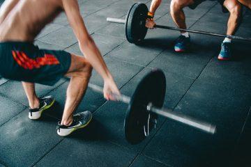 De ideale oefeningen om thuis fit te blijven
