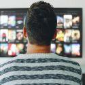 De beste thrillers, series en detectives op Netflix